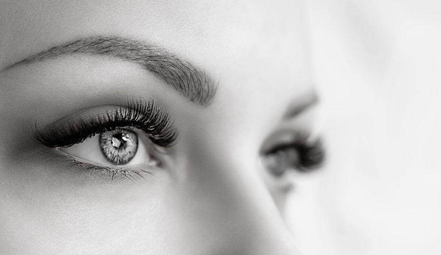 Eyebrow Hair Transplants in Toronto – Better than Microblading!
